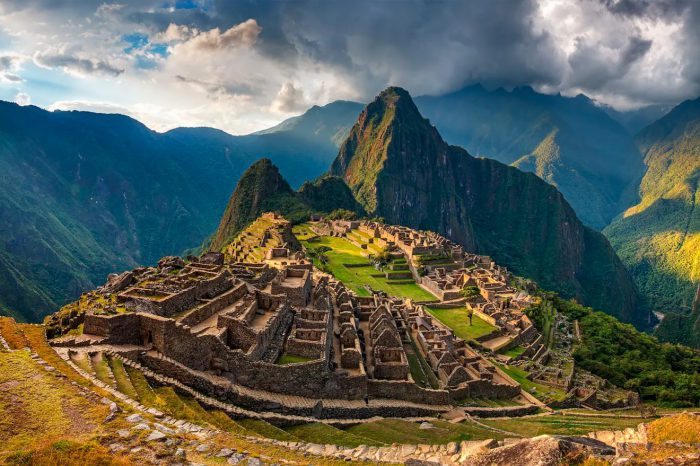 Perú: Amanecer en Machu Picchu